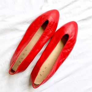 ZARA • RED POINTED BALLET CITY V-CUT LEATHER FLATS